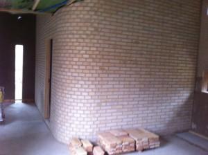 Invändig tegelvägg murad med danskt tegel